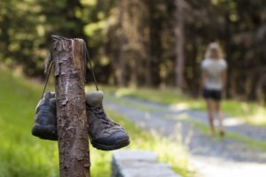 chaussures-femme-randonnee-montagne-1180x785